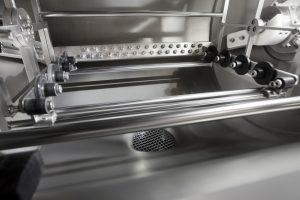 Der rotier- und positionierbare Ultraschall kann bei Bedarf kritische Teilegeometrien gezielt ansteuern.